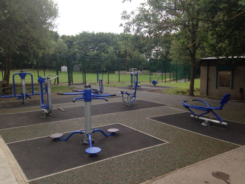 Outdoor Gym Equipment Playground Exercise Mugas