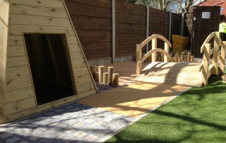 Moorside-Childrens-Centre-pathway